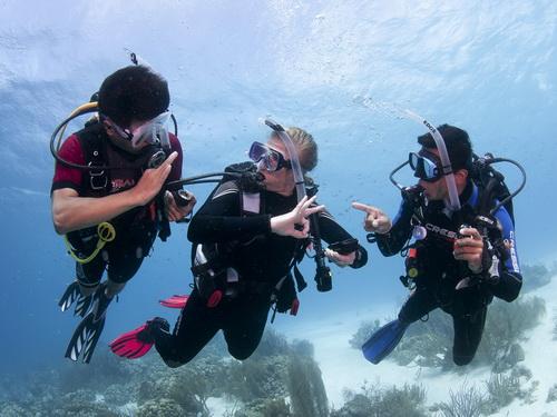 Easy Divers Cyprus scuba diving